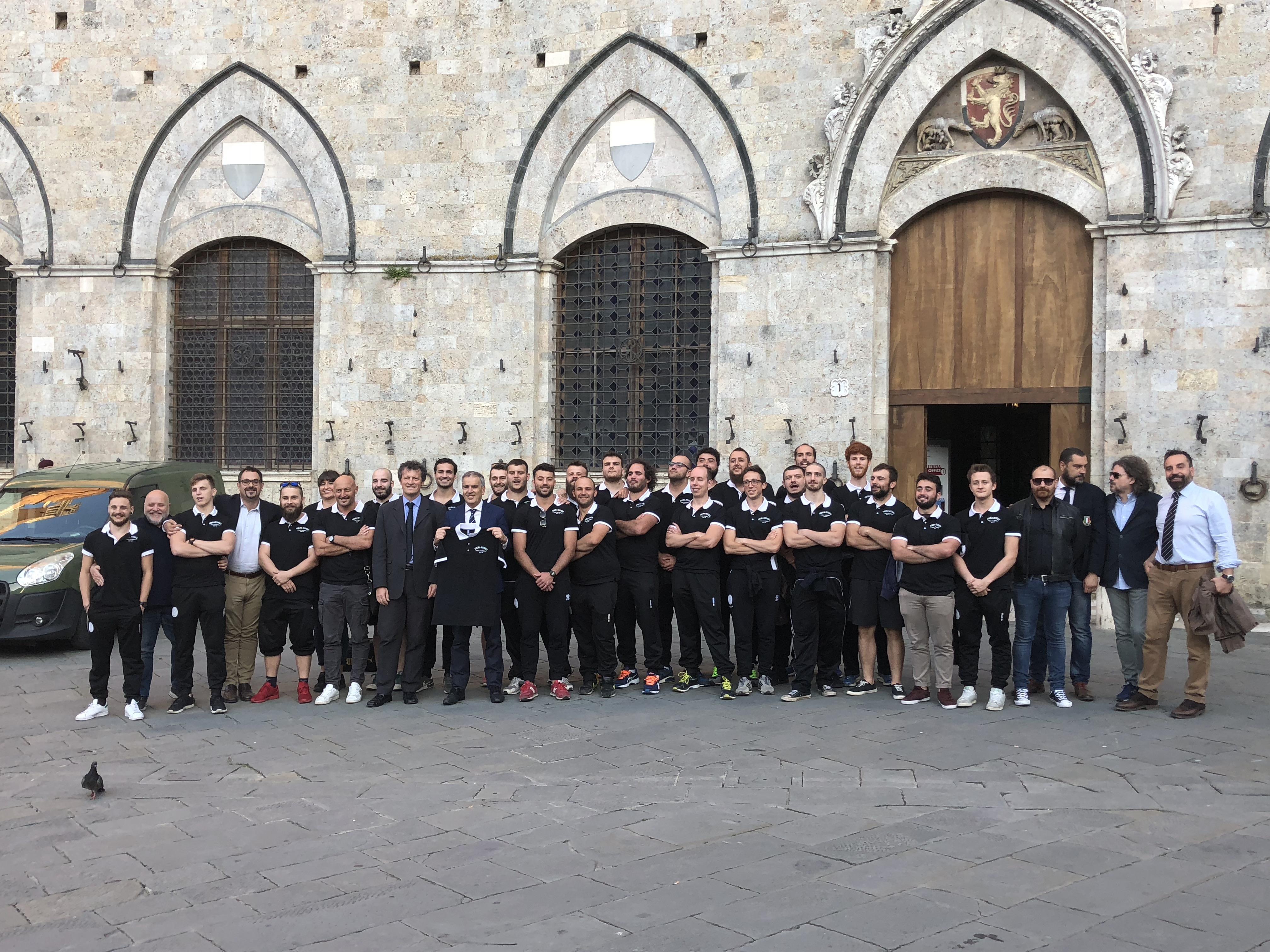 Il Banca CRAS CUS Siena Rugby festeggia la promozione nella Sala delle Lupe